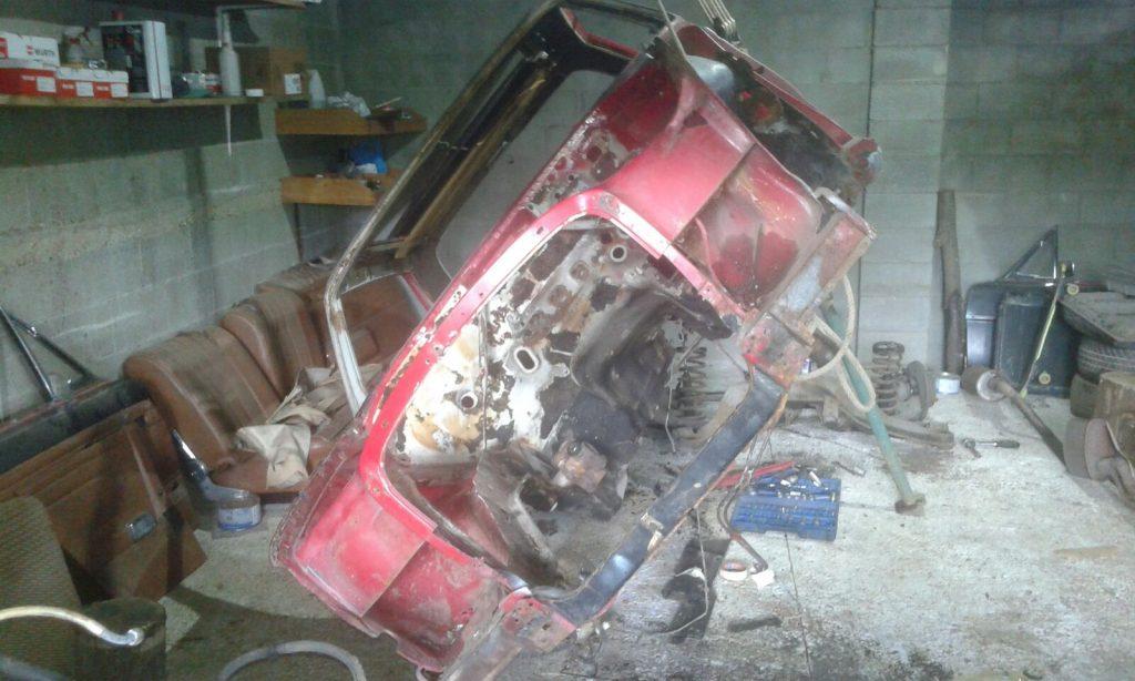 mecánica de Mercedes W114